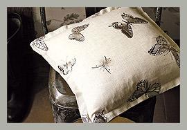 Ткань с бабочками San Woodland Walk