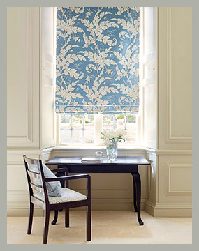 Римская штора c растительным дизайном by Colefax