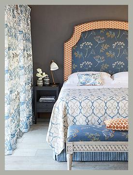 Шторы в спальню, растительный дизайн by Jane Churchill